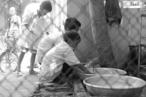 Laver la vaisselle - Les restaurants des enfants